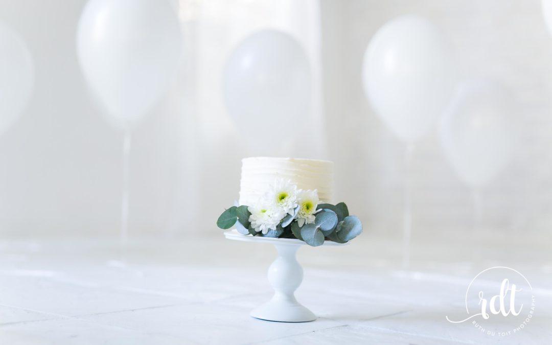 SIMPLISTIC CAKE SMASHES | STUDIO