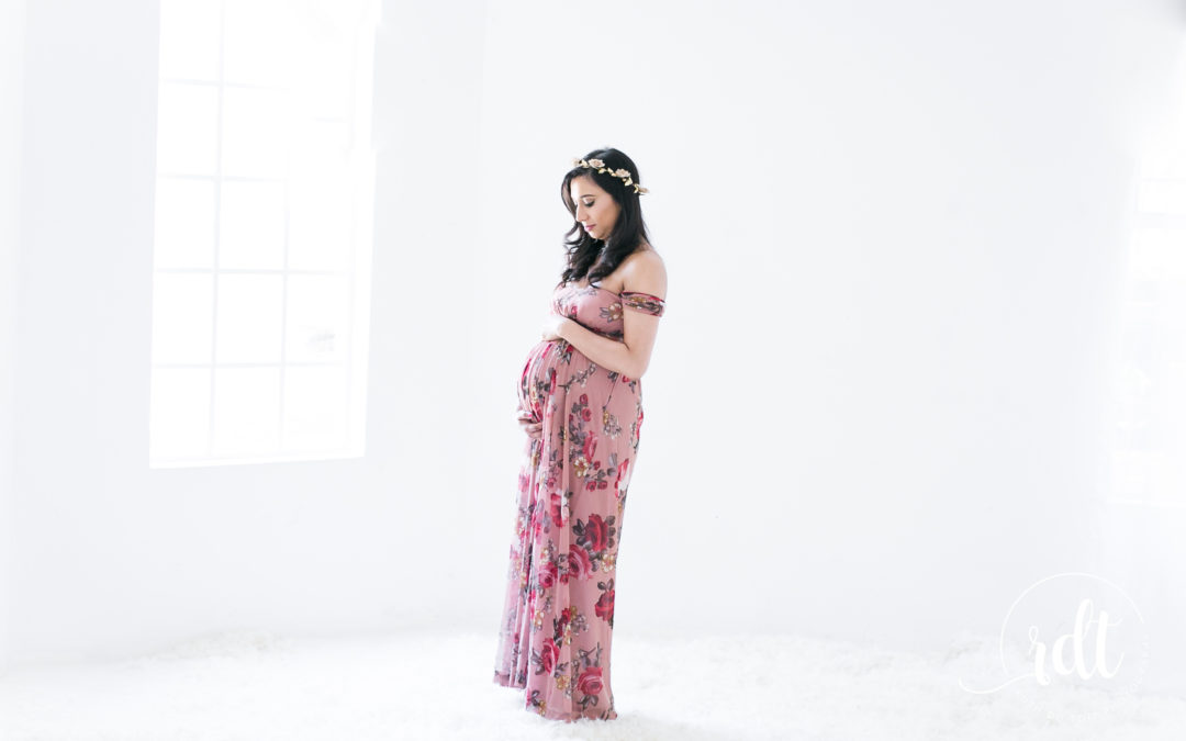 MATERNITY SHOOT | STUDIO